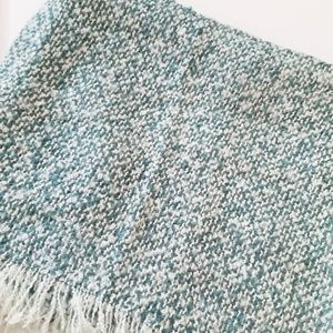 Other Accessories - 🆕️NWT. EMERALD ISLE Green Knit Infinity Scarf!